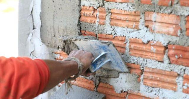 Выравнивание стен по маякам своими руками