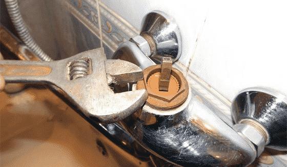 Как заменить картридж в смесителе?
