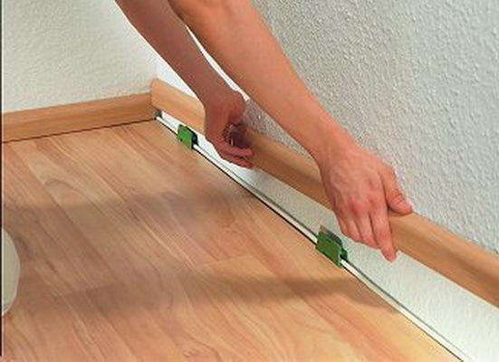 Как правильно укладывать ламинат: вдоль или поперек комнаты?