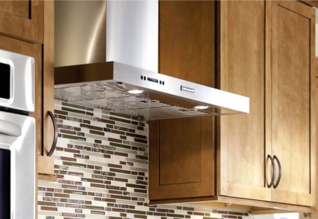 Дует из вентиляции в квартиру, частный дом: причины обратной тяги, как исправить?