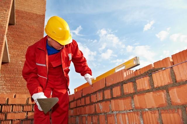 Кельма для декоративной штукатурки: разновидности строительных мастерков каменщика, описание техники работы